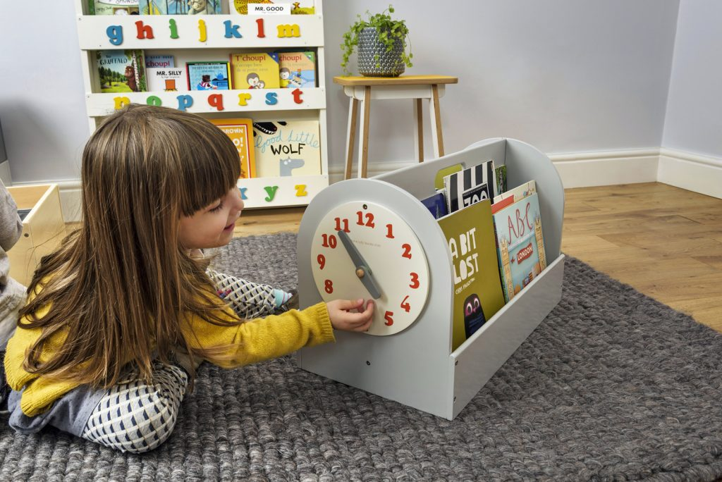 telling time, teaching time clock, book box, tidy books, tell the time clock