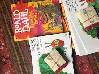 gift of reading, tidy books, charity, give a book