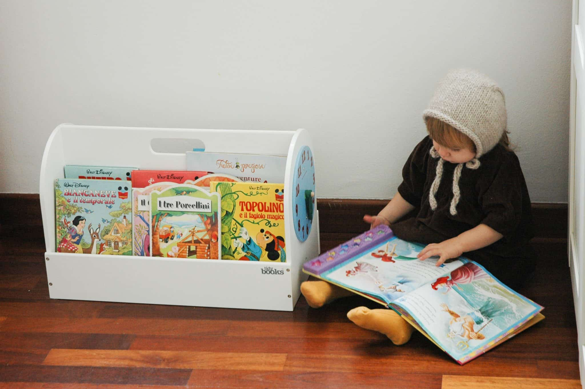 presents for 2 year olds, gifts for two year olds, toddler gifts, tidy books box